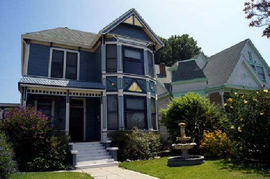 House picture of angelino heights historic area los for Historical homes in los angeles