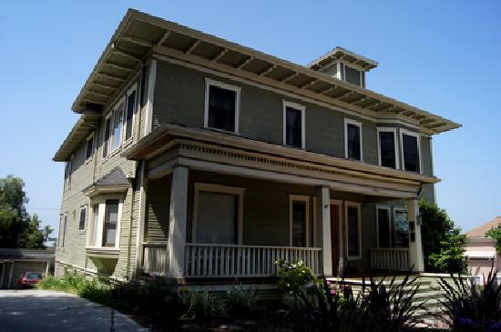 Angelino Heights Historic Area : Eastlake Style Home