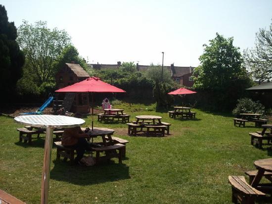 The Sherston Inn: Garden
