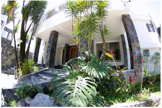 Medellin Executive Hotel: Executive Entrance
