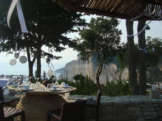 Erimitis Bar and Restaurant: Perfect venue for a celebration