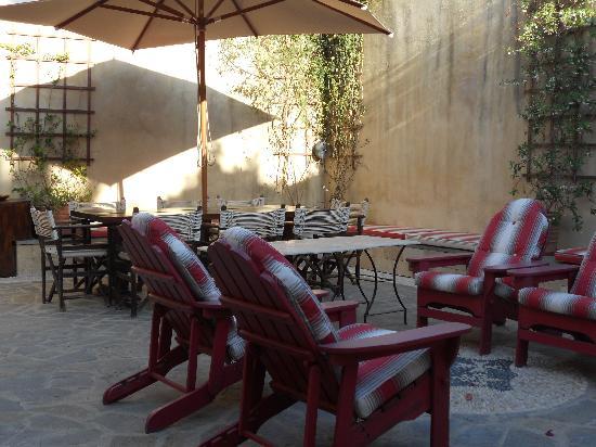 Zacosta Villa Hotel: Un coin de calme...