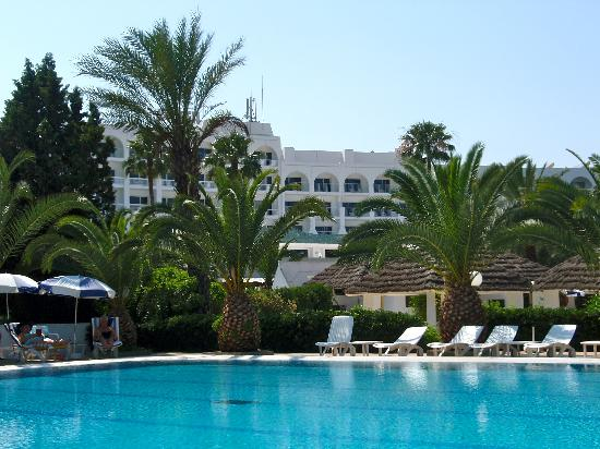 Hôtel Kanta : Hotel pool.
