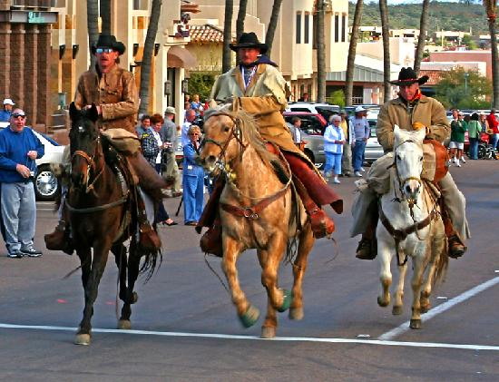 Fountain Hills, AZ: Navajo County Hashknife Sheriff's Posse -  Pony Express Riders