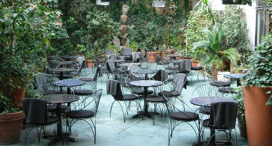 outdoor cafe at 10 corso como picture of 10 corso como milan tripadvisor. Black Bedroom Furniture Sets. Home Design Ideas