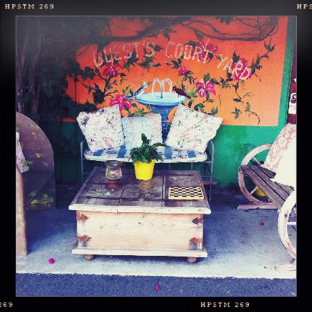 Villa Brasil Motel: Cute Tables with Game Boards