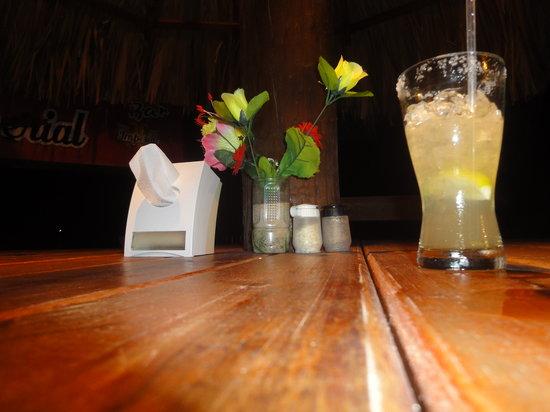 Ronny's Barefeet Restaurant & Bar: Margarita