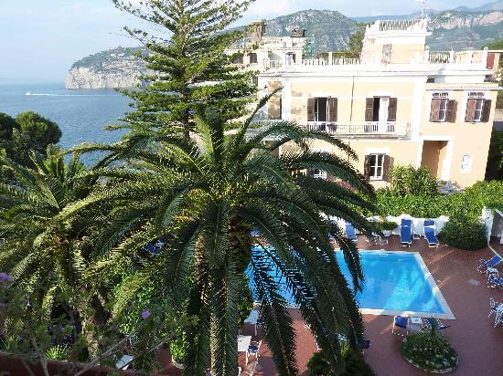 Hotel Villa Garden: the pool