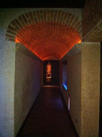 El Convento Boutique Hotel: hallway