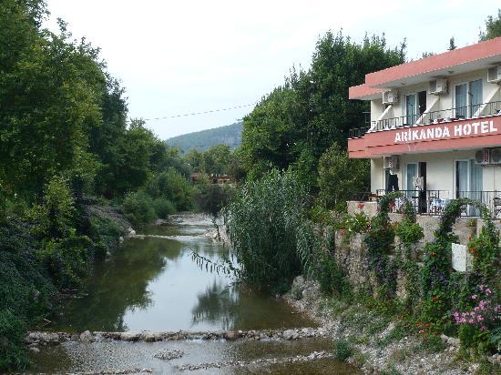 Arikanda River Garden Hotel : Hotel am Fluss