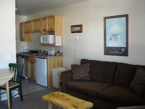 Mountain Landing Suites & RV Park: One bedroom suite