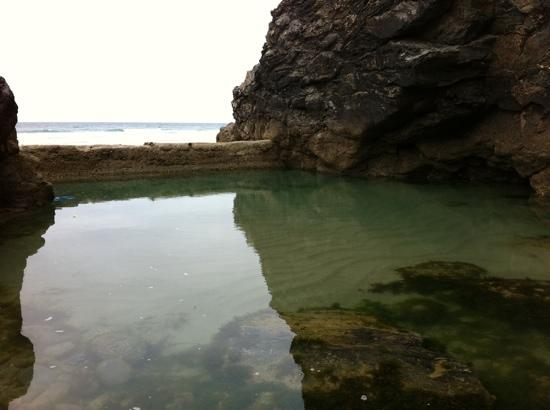Tidal pool on porthtowan beach picture of rosehill for Pool show rosehill