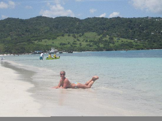Sandals Whitehouse: enjoying the beautiful beach