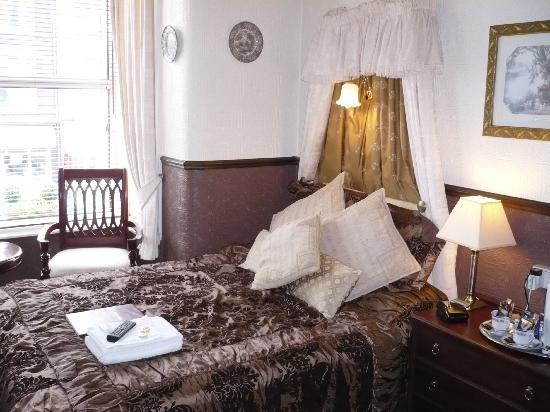 Windsor House: My usual Room 4 - luxurious