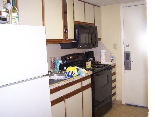 C Beach Resort Suites Kitchen