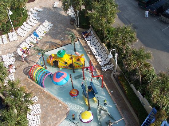 ‪‪Coral Beach Resort & Suites‬: splash area‬