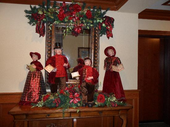 The Inn at Christmas Place: Little touches like this in the hallways were very nice