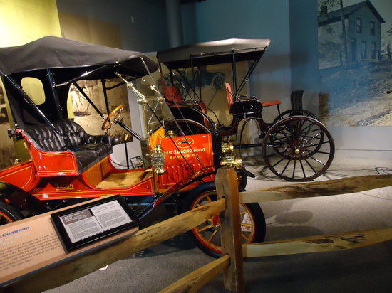 America on Wheels Museum: A display