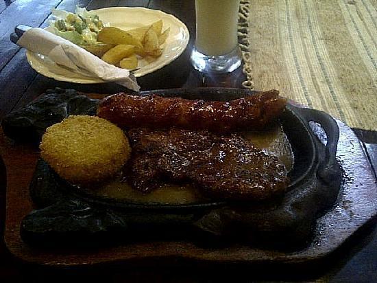 Winner Bratwurst: Mixed grill combo