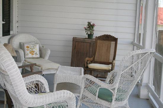 Littlepage Inn : sitting area on side porch Little Page Inn