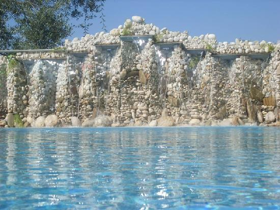 Corfu, Greece: fantastic waterfallspool !!