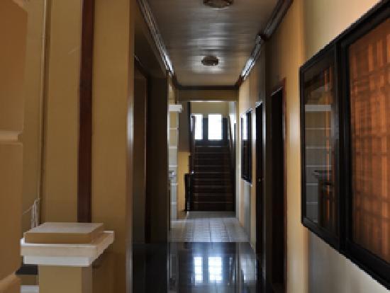 Golden Apsara Hotel : Hotel Corridor