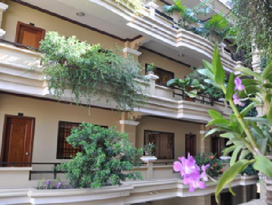 Golden Apsara Hotel: Hotel Views