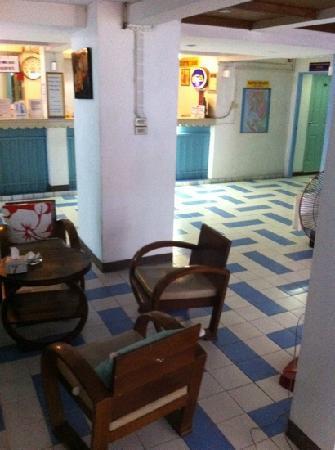 Sawasdee Banglumpoo Inn: lobby
