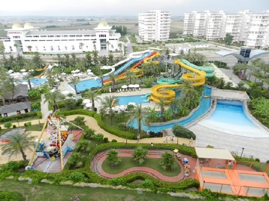 Royal Wings Hotel: water park from 7th floor