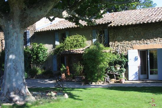 Mas du Clos de l'Escarrat: A shot of the house