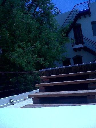Casa de Isabella - a Kali Hotel: ESCALERAS POOL