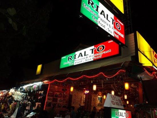 Ao Nang Rialto: Night view of Aonang Rialto