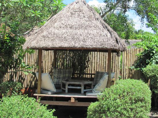 Balenta Bungalows: The breakfast gazebo
