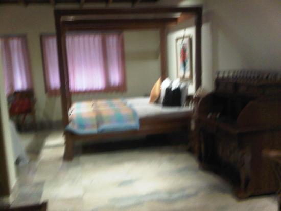 Raffles Holiday Hotel: Junior Suite Room