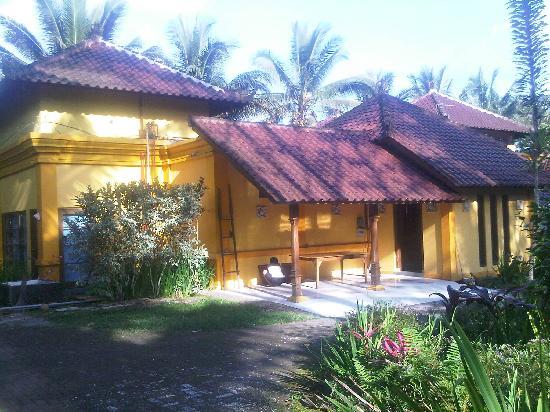 Raffles Holiday Hotel: Raffles holiday (aka sewu nusa)