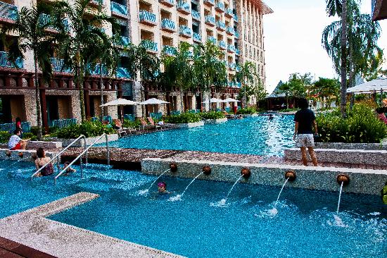 Swimming Pool Picture Of Resorts World Sentosa Festive Hotel Sentosa Island Tripadvisor