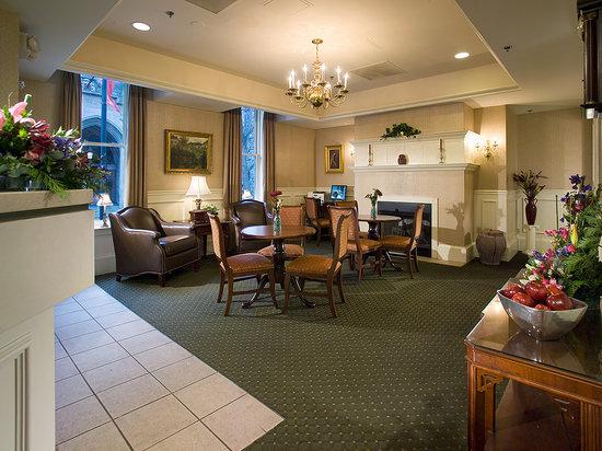 Conwell Inn: Our Lobby
