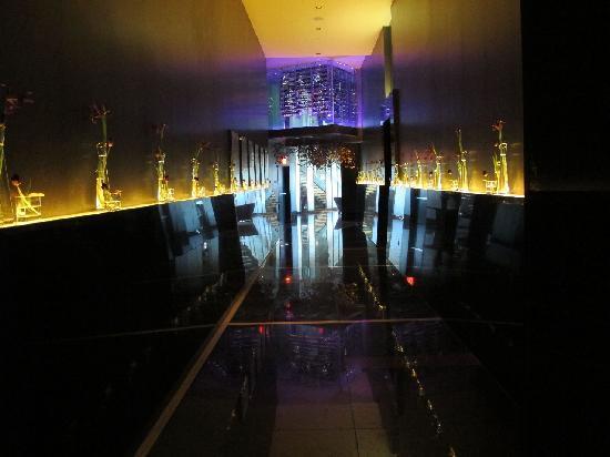 Mandarin Oriental, Las Vegas: hallway to Piere Gagnaire restaurant
