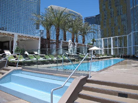 "Mandarin Oriental, Las Vegas: ""higher"" pool"