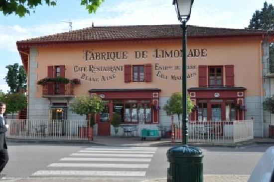 Georges Blanc Parc & Spa : la vieille auberge extérieur