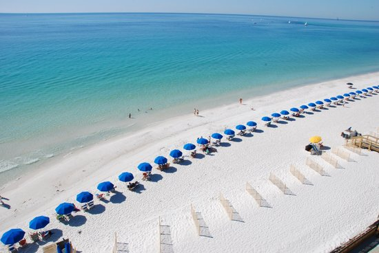 Holiday Surf & Racquet Club: At Holiday Surf in Destin you'll enjoy beach front relaxation.