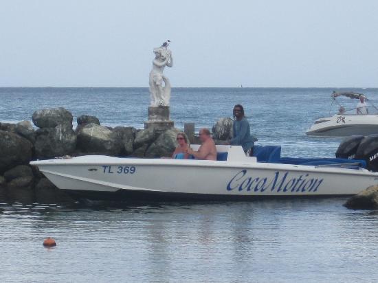 Coco Reef Tobago: The hotel lagoon