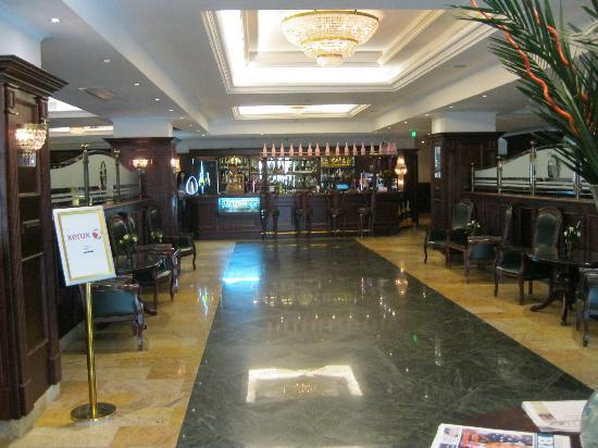 Ramada Hotel and Suites Bucharest North: Lobby
