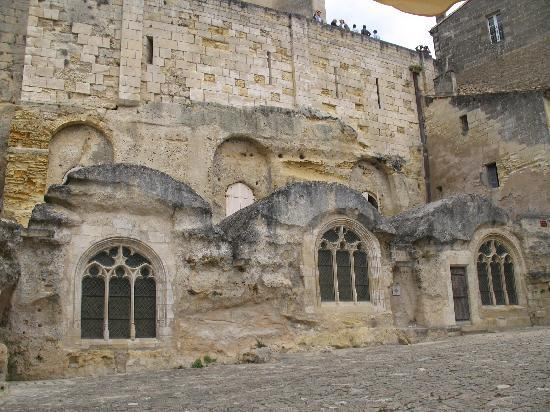 Saint-Emilion, France: medieval grotto-church