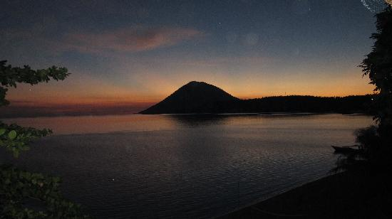 Bunaken Island Resort: fantastische zonsondergang