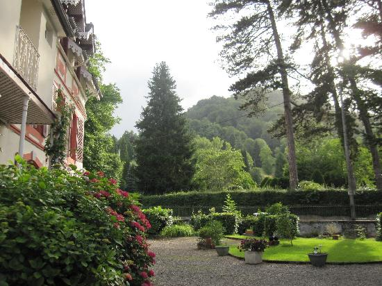 Bagneres-de-Bigorre, France: Gardens are nice.