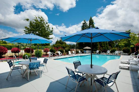 BEST WESTERN Orchard Inn: Relaxing Pool