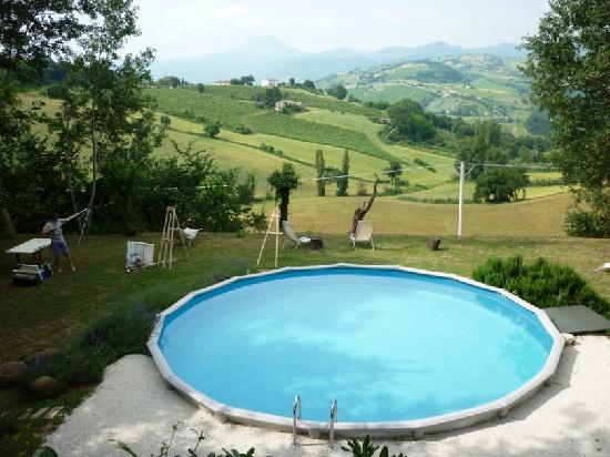 La Girandola: nice painting course at the swimming pool