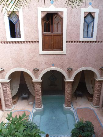 Riad Zahir : Le patio vu de la chambre LAILA