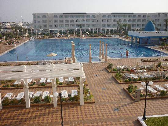 Concorde Hotel Marco Polo: great pool
